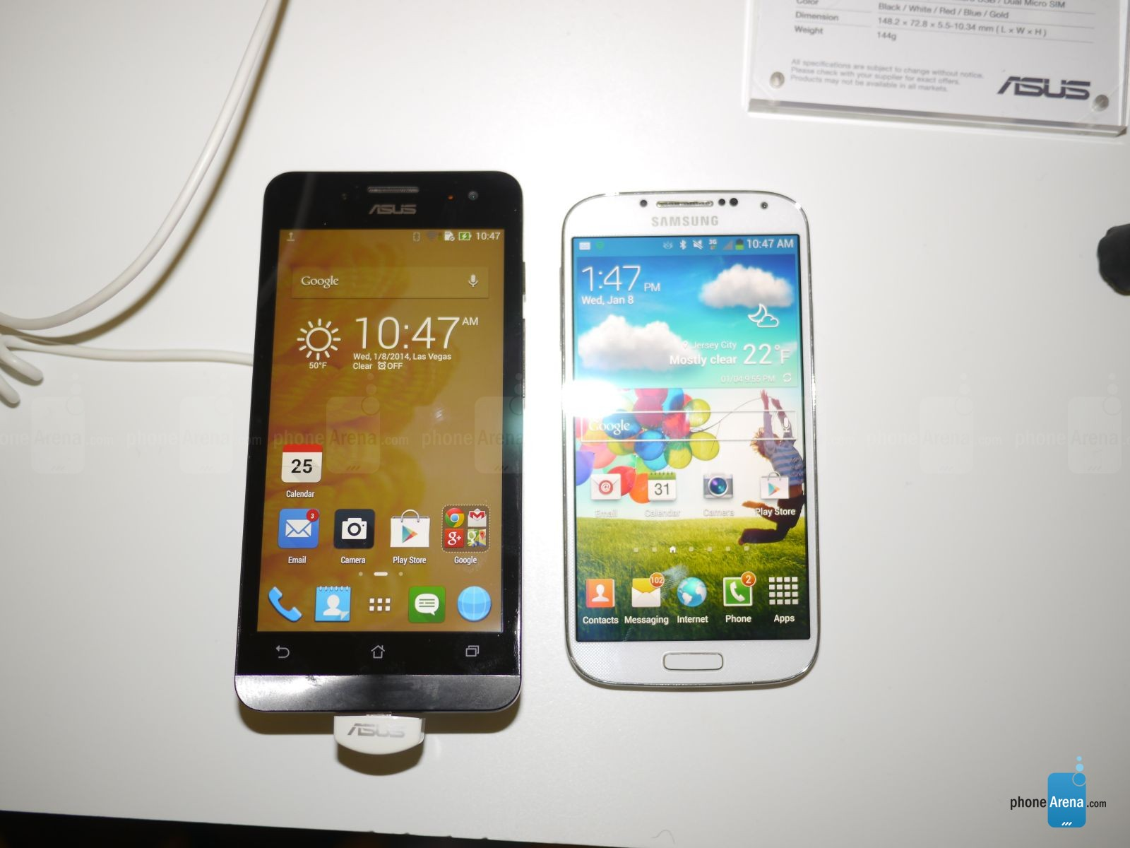 Asus ZenFone 5 vs Samsung Galaxy S4  first look   PhoneArena reviews