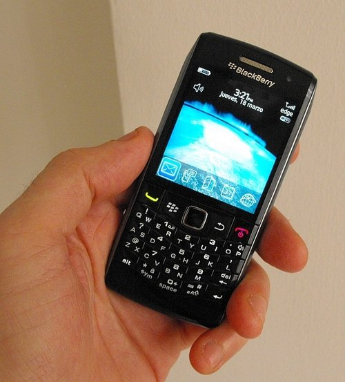 BlackBerry Pearl 3G  9100 and 9105 released officially   BerryReview