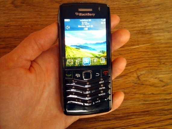 BlackBerry Pearl 3G 9105 early review  Email for small hands   CNET UK
