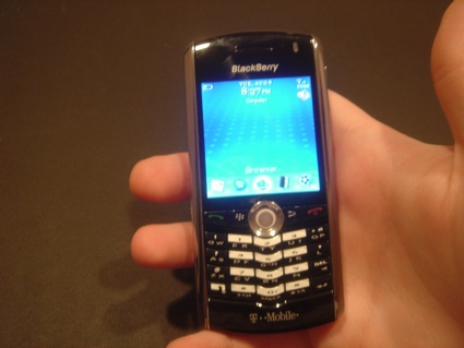 The Boy Genius Report  BlackBerry Pearl 8100 pics and videos