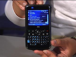 HP iPaq 910c Business Messenger video   CNET TV