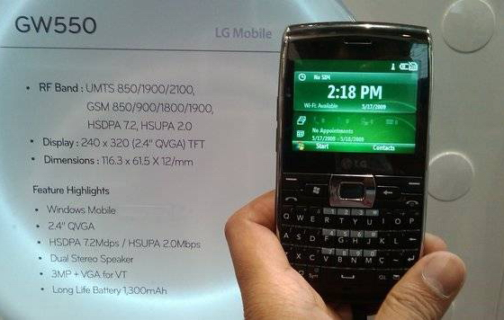 LG introduces GW550 Windows Mobile QWERTY smartphone