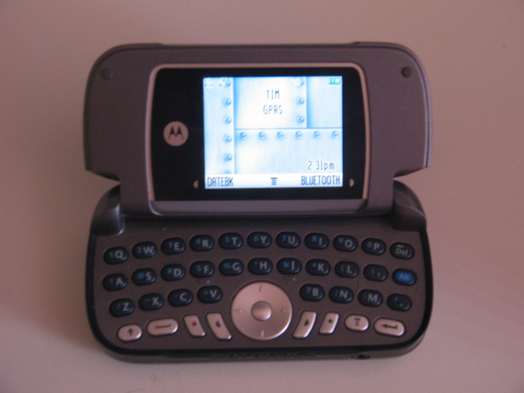 File Motorola A630 jpg   Wikimedia Commons