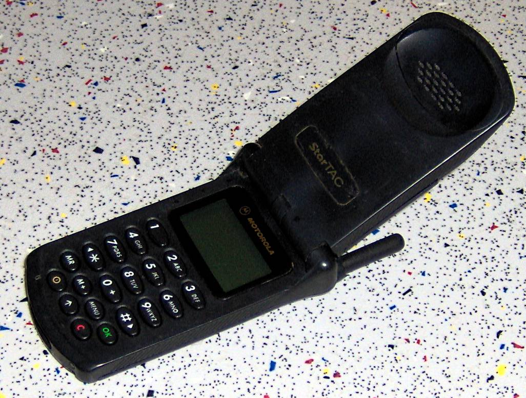Motorola StarTAC   Wikipedia  the free encyclopedia