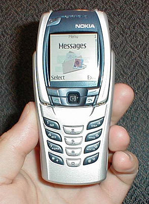 Geek com PDA cellphone Review  Nokia 6800 Message Device