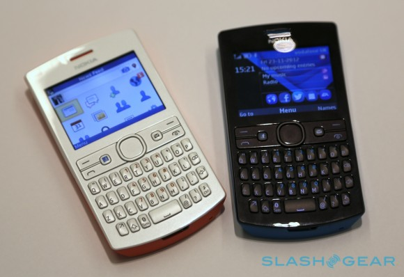 Nokia Asha 205    Facebook phone    and  62 206 hands on   SlashGear