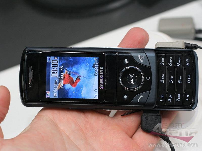 Samsung D520 photos  Mobile phones photo   MobiSet
