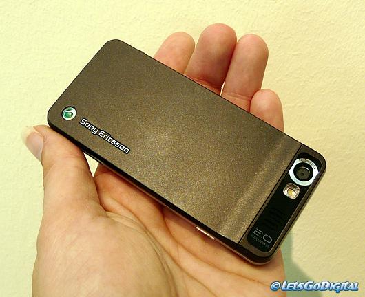 Sony Ericsson S302   LetsGoDigital