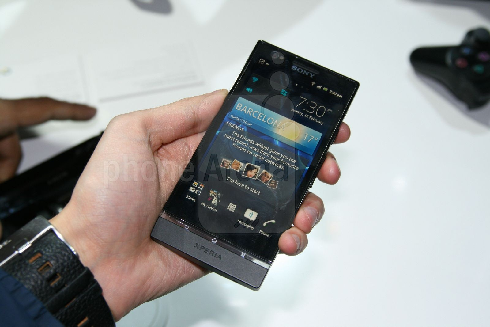 Sony Xperia P Hands on Review   PhoneArena reviews