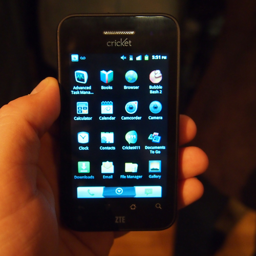 Hands On With the ZTE Avail and ZTE Score   Hands On With the ZTE